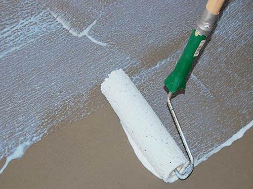 Как наносить грунтовку на стены