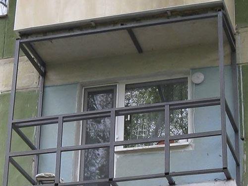 Отделка балкона сайдингом своими руками