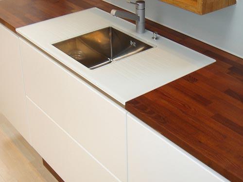 Фото кухонной столешницы из массива дерева