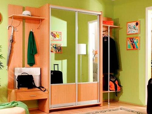 На фото интерьер коридора в квартире