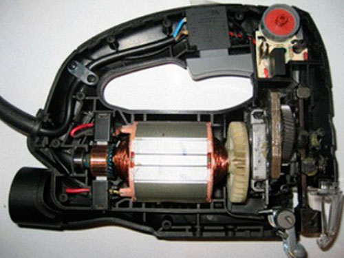 На фото устройство электролобзика