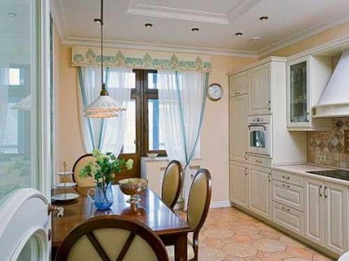 На фото готовые шторы для кухни