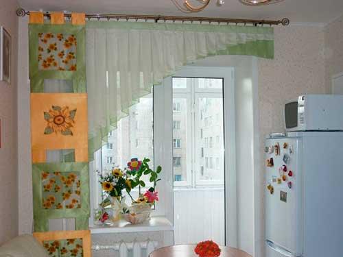 На фото ткани для штор на кухню