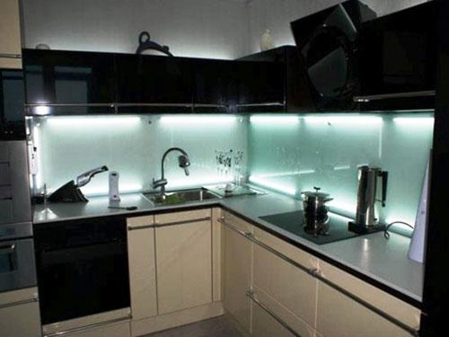 Варианты освещения на кухне