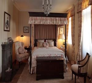 Современный дизайн спальни в английском стиле