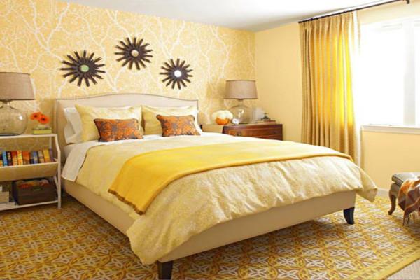 Спальня в сочетании желтого, оранжевого и коричневого цвета