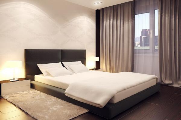 Пушистый коврик, мягкое, теплое покрывало, настольные лампы создают уютную атмосферу