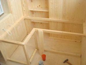 Деревянный каркас для шкафа