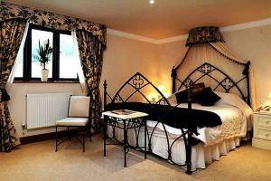 Gothic-Bedroom