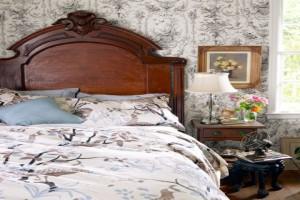 Характерна для кантри и «состаренность», например, имитация старой мебели или настоящие отреставрированные раритеты