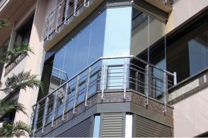 Остекление балкона своими руками