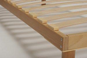 Скрипит деревянная кровать: что делать, как устранить проблему легко и быстро