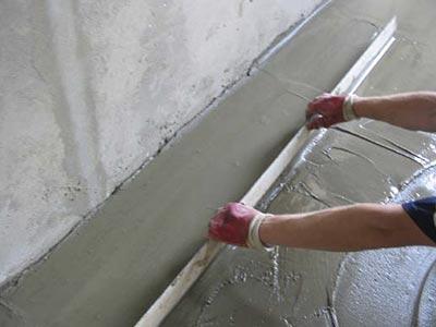 Стяжка пола по бетону своими руками