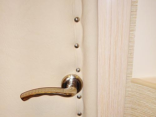 Утепление деревянной двери своими руками