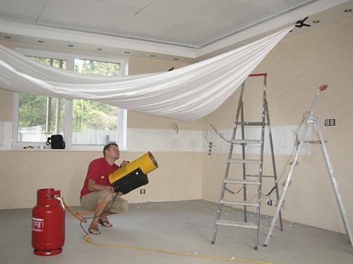 Вредны ли натяжные потолки для здоровья