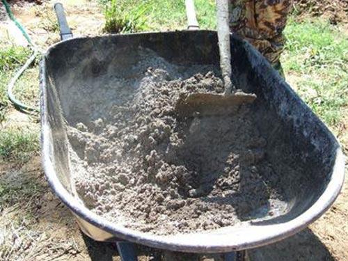 На фото изготовление бетона