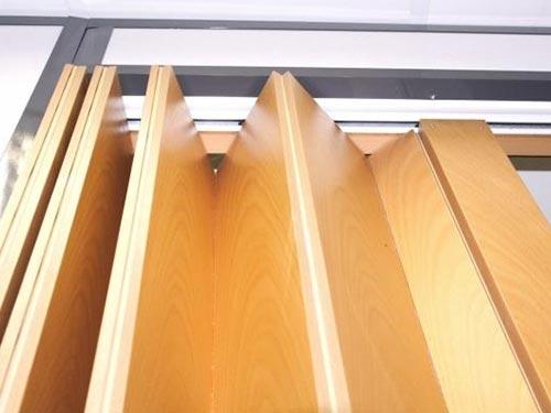 На фото деревянные межкомнатные двери