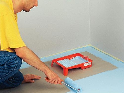На фото покраска бетонного пола