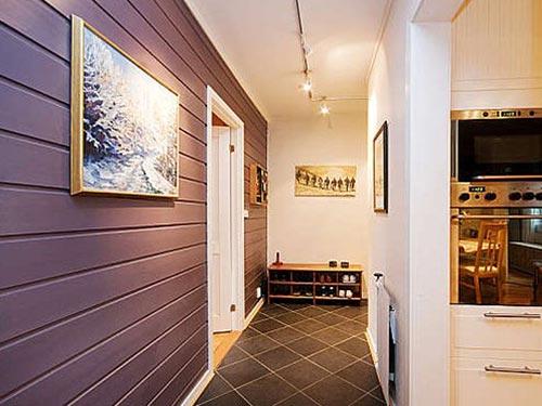 На фото панели стеновые из натурального дерева