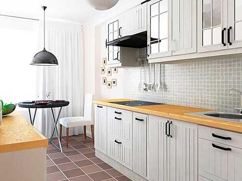 На фото белая кухня в интерьере