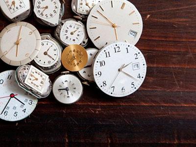 chasisvr1 Как сделать часы своими руками в домашних условиях: идеи для пола, стен, стола, наручные часы и необычные модели