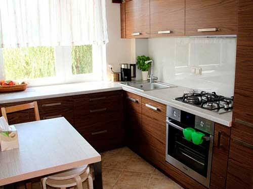 На фото оформление интерьера кухн