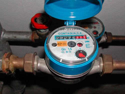 На фото счетчики для воды