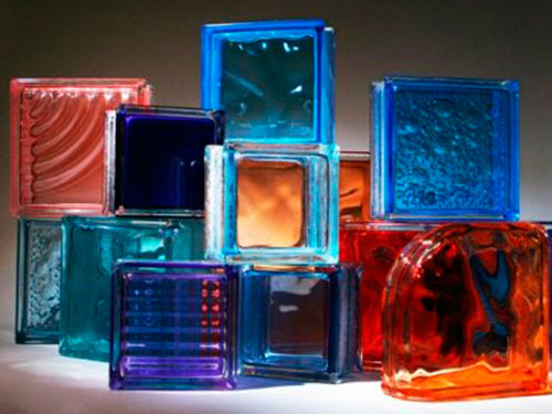 На фото декоративные стеклоблоки
