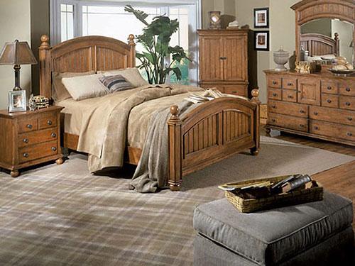 На фото спальня в стиле кантри