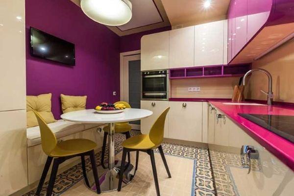 Планировка кухни 8 метров с холодильником.
