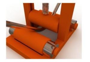 При необходимости упорные ролики можно заменять на другие, с большим или меньшим диаметром