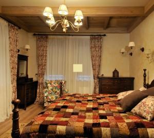 Интерьер спальни-шале в квартире