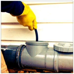 Как прочистить канализацию: самостоятельное изготовление троса и его использование