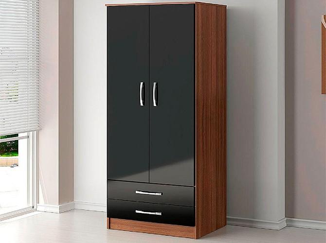 Шкаф двухстворчатый распашной