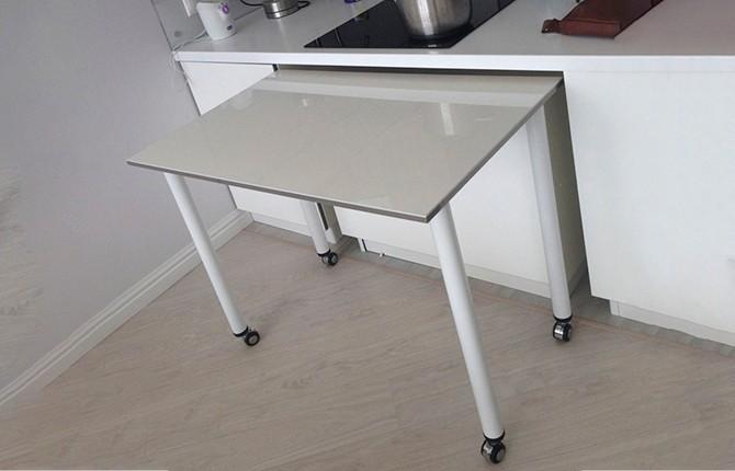 Выдвижной стол из под столешницы на четырех ножках