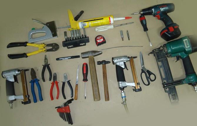 Инструменты для перетяжки мягкой мебели