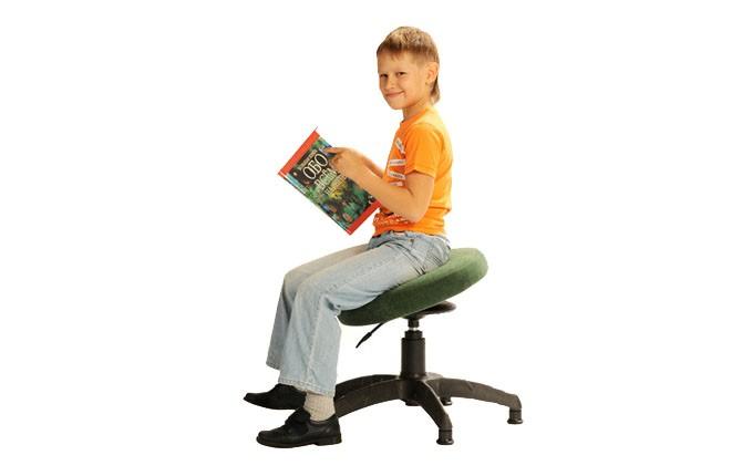 Подвижный стол для школьников