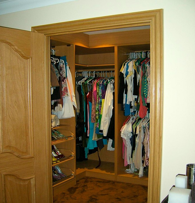 Шкаф в кладовке